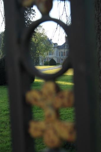 château vue depuis le portail Lamas du Parc, Château de Courcelles-sous-Moyencourt
