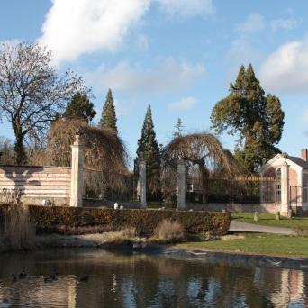 l'étang Lamas du Parc, Château de Courcelles-sous-Moyencourt