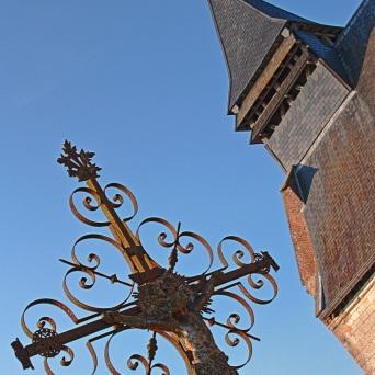 l'église et la croix Lamas du Parc, Château de Courcelles-sous-Moyencourt